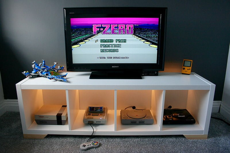 games console and media unit