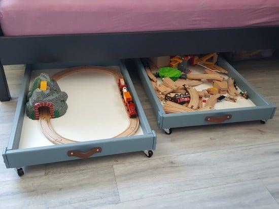 sniglar toy box and bed buddy